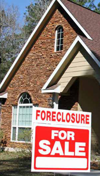 SUBMIT: wp-foreclosure-sign-house.jpg